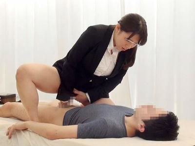 巨乳の人妻OLが巨根すぎる童貞クンと筆おろしミッションに挑戦! 三島奈津子