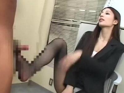職員室に忍び込んだ生徒に罰を与える美人教師のお仕置きSMプレイ 鈴木杏里