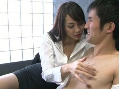 M男ばかりを社員に雇用するドSな長身女社長のペニバンプレイ 広瀬奈々美