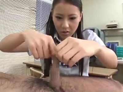 担任のM男教師の包茎チンポの皮を伸ばして弄ぶ制服jk あずみ恋