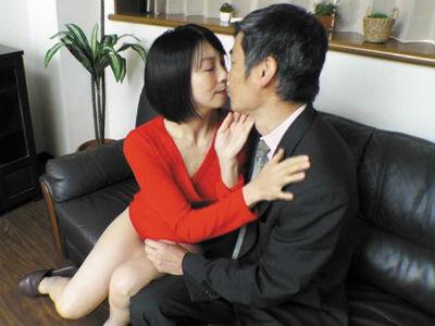 37歳の主婦が旦那のいない昼間に自宅へ男を連れ込み風俗営業
