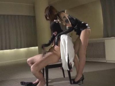 スーパーモデル級のスタイルの長身S女がM男をおもちゃにして射精させる 佐藤エル