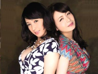 M男を2人で挟み撃ちするようにハーレム3Pで弄ぶ淫乱熟女たち 三浦恵理子 安野由美