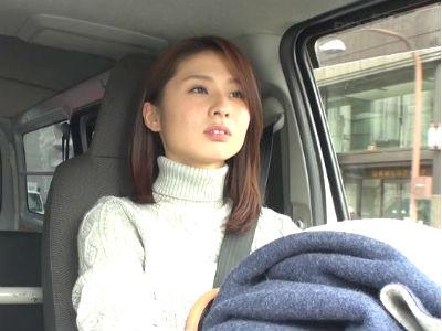 「触ってください」年下の童貞クンをリードして優しく筆おろしするFカップ人妻 前田可奈子