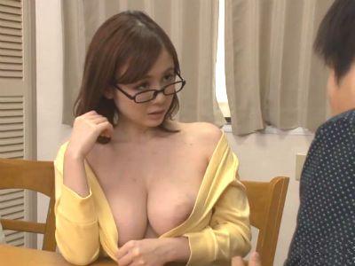 親の再婚で新しく出来た高学歴な義姉は爆乳でセックス大好きなド淫乱痴女だった 吉川あいみ