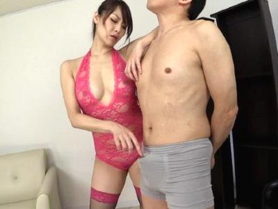 スケベな下着のフェロモン熟女がM男を弄んで大量の男の潮吹きをさせちゃう広瀬奈々美