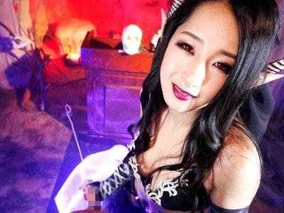 【VR】「そなたのマラ…たっぷり可愛がってやろうぞ」結婚式の最中に魔界に飛ばされサキュバスに搾り取られる 鈴木さとみ