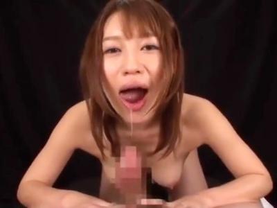 ネットリとしたジュボフェラでM男チンポからザーメンを搾り取り口内射精させる主観フェラ動画 本田莉子