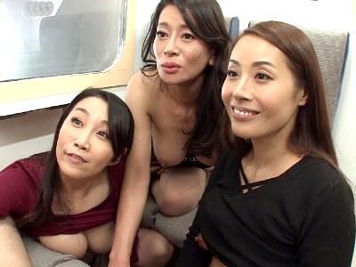 「私達にも試させてよ」電車のボックス席で一緒になったおばさんたちの性欲がヤバかった 北島玲 桐島美奈子 森下美緒
