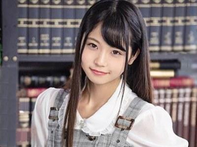 「是非お願いしますっ」ロリ美少女な教え子のおしっこを欲しがるドMに調教された大学教授 永野いち夏
