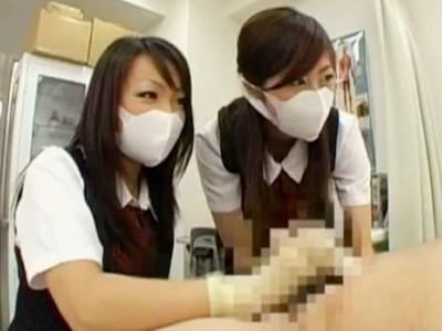 「マジ臭いんだけど?」臭いチンポをマスクをしてゴム手袋で責める2人の先輩OL 武田友美 安堂結衣